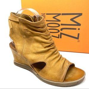 New MIZ MOOZ Becca Sandals 8.5 9 wheat brown wedge